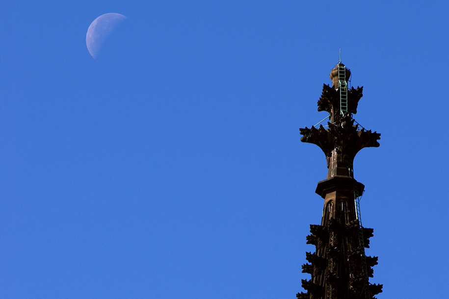 'Moon and Spire' (Sep 2002) - Cologne, Germany